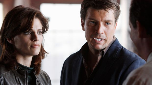 Der neue Fall führt Richard Castle (Nathan Fillion, r.) und Kate Beckett (Sta...