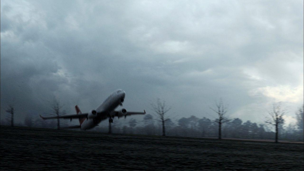 Februar, 2009: Auf ihrem Weg von Istanbul steuert die Maschine des Turkish Airline Fluges 1951 Amsterdam an. Der Landung steht nichts im Wege, doch... - Bildquelle: Cineflix 2010