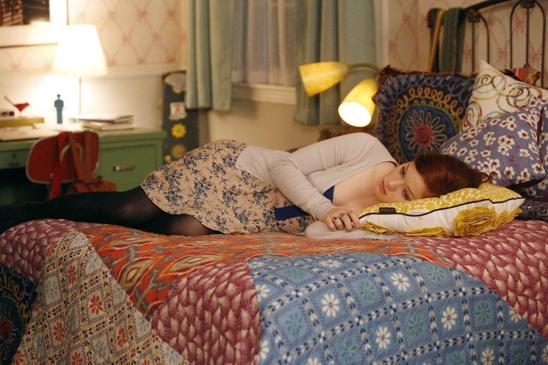 Hat Tessa (Jane Levy) einen riesigen Fehler gemacht? Bei der College-Suche für ihren Freund Ryan haben sie ein Losverfahren ausgemacht, da er sich n... - Bildquelle: Warner Brothers
