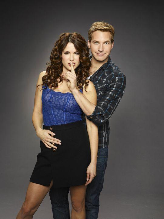 (1. Staffel) - Sind in jeder Lebenslage füreinander da: Ben (Ryan Hansen, r.) und Sara (Danneel Ackles, l.) ... - Bildquelle: Mitchell Haaseth NBC Universal, Inc.