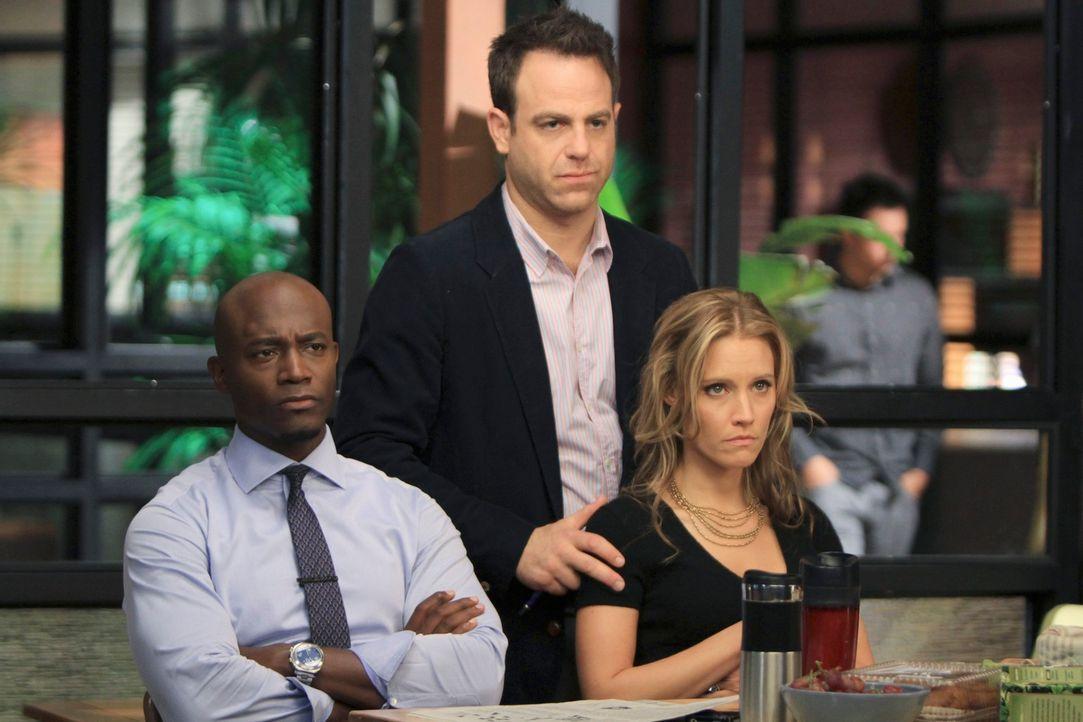 """Sind erstaunt, als Amelia nach ihrem zwölftägigen """"Drogenurlaub"""" wieder in der Praxis erscheint: Sam (Taye Diggs, l.), Charlotte (KaDee Strickland... - Bildquelle: ABC Studios"""