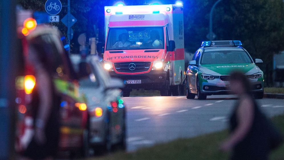 Frontalcrash: Zwei junge Menschen (20,21) tot - Bildquelle: Lukas Schulze/dpa