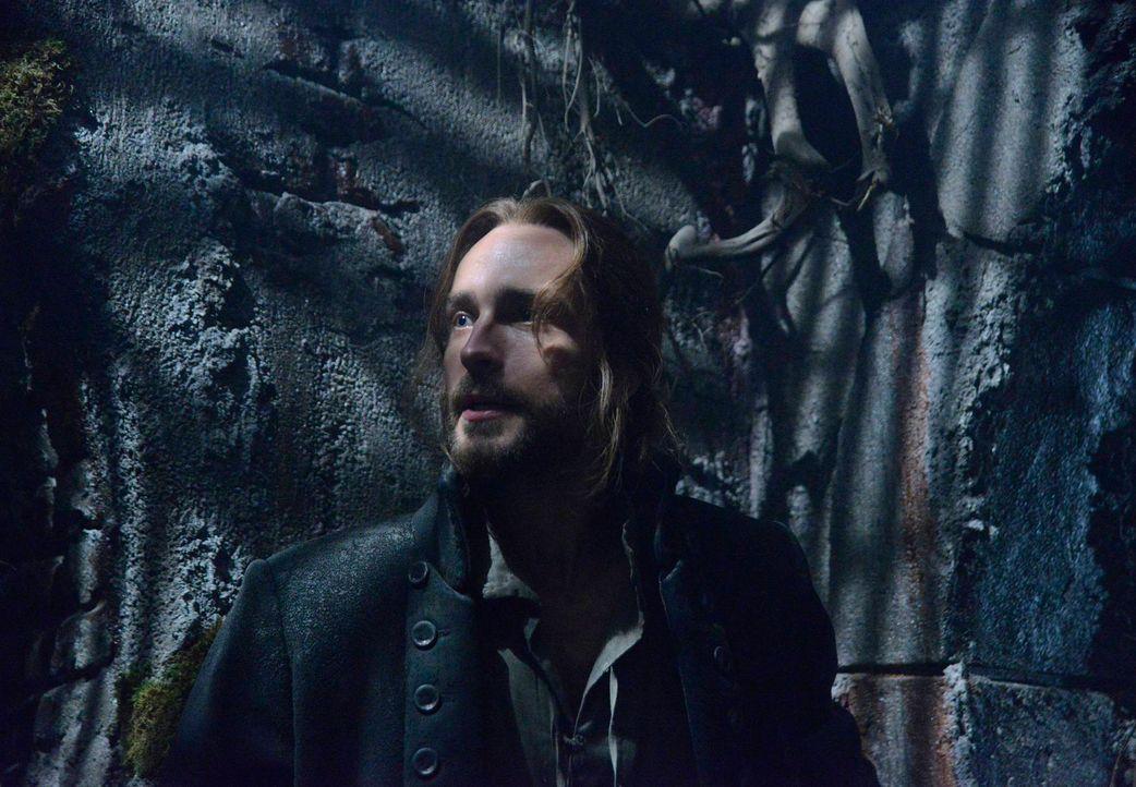 Der Kampf gegen das Böse geht weiter: Ichabod (Tom Mison) ... - Bildquelle: 2013 Twentieth Century Fox Film Corporation. All rights reserved.