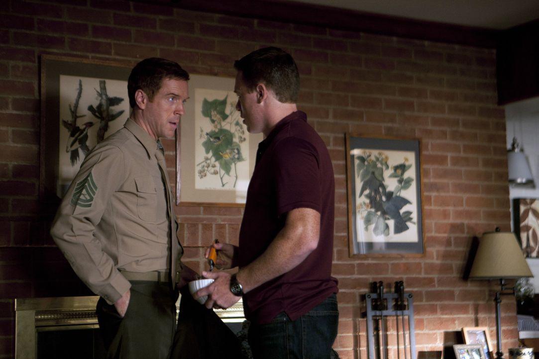 Brody (Damian Lewis, l.) ist sich der besonderen Rolle von Mike (Diego Klattenhoff, r.) bewusst und setzt alles daran, diese zu ändern ... - Bildquelle: 2011 Twentieth Century Fox Film Corporation. All rights reserved.