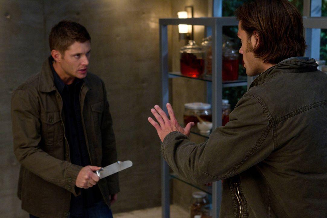 Nicht nur Veritas, sondern vor allem Dean (Jensen Ackles, l.) ist entsetzt, als ihr Zauber bei Sam (Jared Padalecki, r.) nicht zu wirken scheint ... - Bildquelle: Warner Bros. Television
