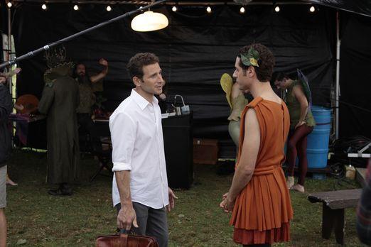 Während Hank (Mark Feuerstein, l.) erkennt, dass sich Jacks Lupus schnell dra...