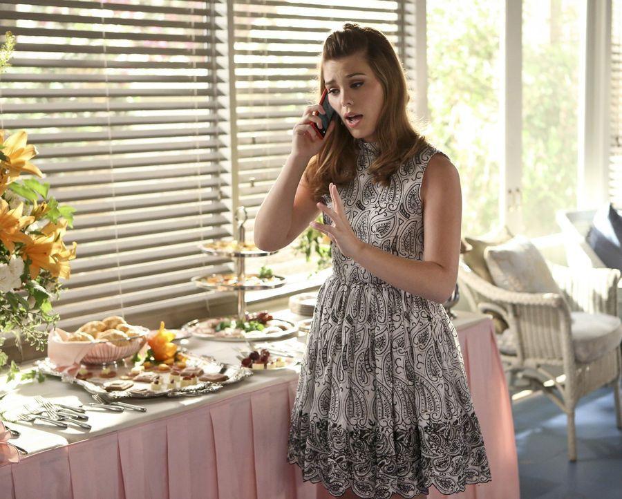 AnnaBeth (Kaitlyn Black) soll einige Geheimnisse für sich behalten, doch das ist für sie alles andere als einfach ... - Bildquelle: 2014 Warner Brothers