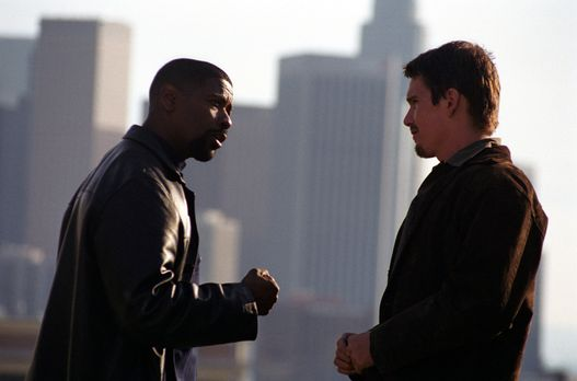 Ein ungleiches Team: der korrupte Cop Alonzo Harris (Denzel Washington, l.) u...