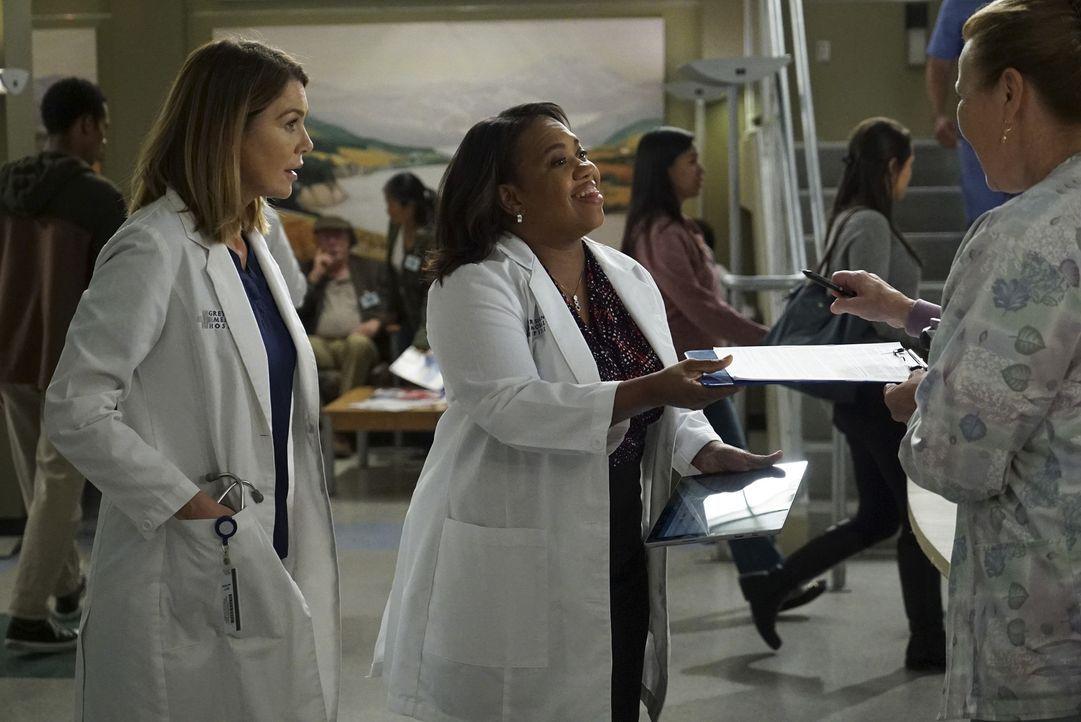 Ein stressiger Arbeitstag wartet auf sie: Meredith (Ellen Pompeo, l.) und Bailey (Chandra Wilson, r.) ... - Bildquelle: ABC Studios