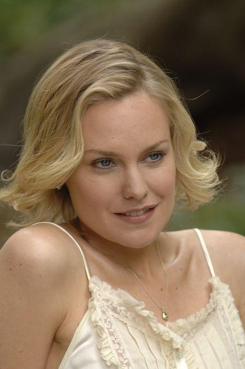 Noch ahnt Lily (Laura Allen) nicht, welche Pläne Richard für ihrer Tochter hat ... - Bildquelle: Alan Zenuk Viacom Productions Inc.