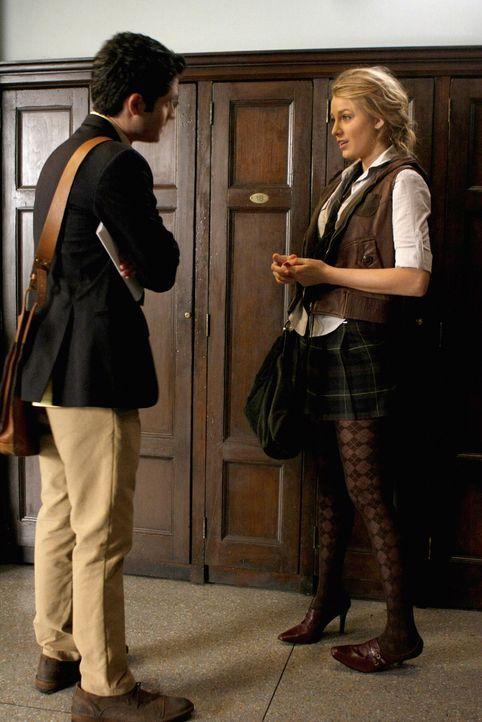 Nachdem Blair gegangen ist, redet Dan (Penn Badgley, l.) mit Serena (Blake Lively, r.) über seine Sorgen um Jenny ... - Bildquelle: Warner Brothers
