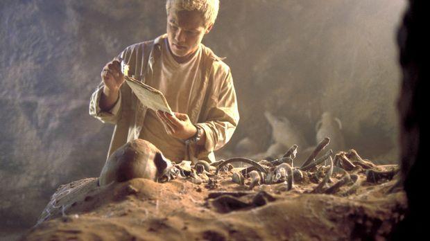Der Archäologiestudent Steffen (Matthias Koeberlin) darf seinen Professor zu...