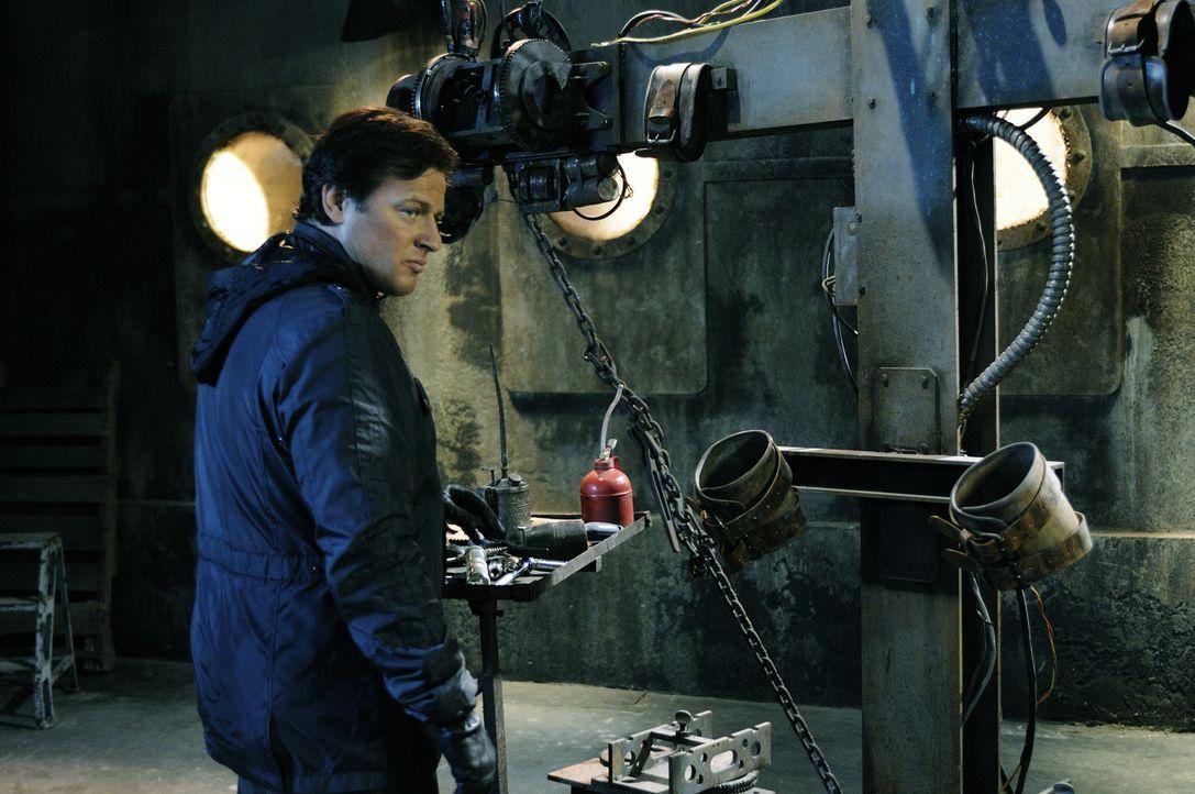 Jigsaws Nachfolger, Detective Hoffman (Costas Mandylor), ist immer noch nicht enttarnt worden. Erneut startet er sein mörderisches Spiel, in dem si... - Bildquelle: Steve Wilkie Kinowelt GmbH
