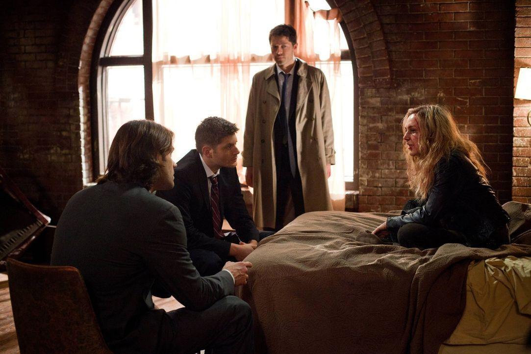 Kann Meg (Rachel Miner, r.) Sam (Jared Padalecki, l.) und Dean (Jensen Ackles, 2.v.l.) dabei helfen, endlich zu erkennen, was wirklich mit Cas (Mish... - Bildquelle: Warner Bros. Television