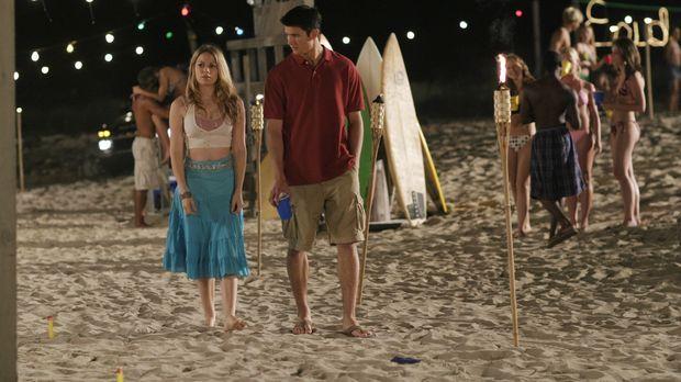 Haley (Bethany Joy Galeotti, l.) will Nathan (James Lafferty, r.) um jeden Pr...