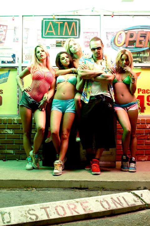 springbreakers-01-wild-bunch-germanyjpg 1133 x 1700 - Bildquelle: wildbunch germany