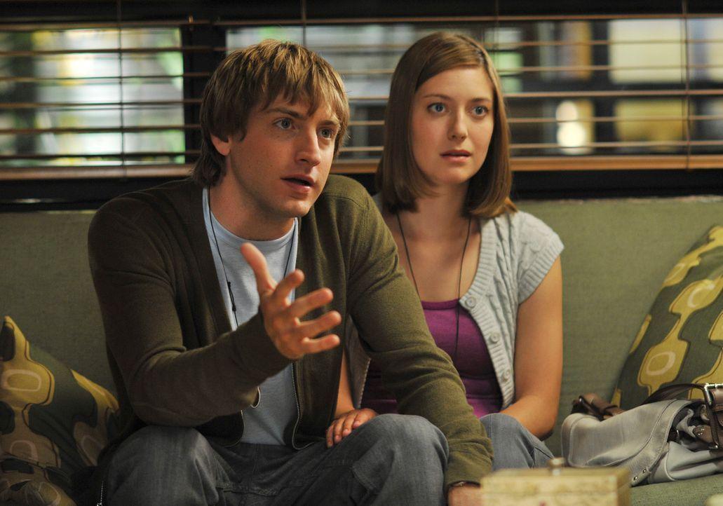 Brian (Fran Kranz, l.) und Lisa (Zoe Perry, r.), ein verheiratetes Paar, kämpft für eine Fruchtbarkeitsbehandlung - bis die Ärzte herausfinden, dass... - Bildquelle: ABC Studios