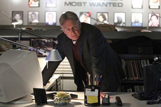 Navy CIS - Bei den Ermittlungen in einem neuen Fall, stoßen Gibbs (Mark Harmo...