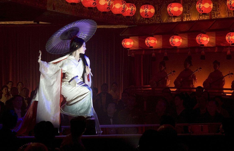 Eine märchenhafte Karriere: Aus der kleinen Fischertochter Chiyo (Ziyi Zhang) wird eine der berühmtesten Geishas Japans - nach einem harten und stei... - Bildquelle: 2005 Sony Pictures Television International.