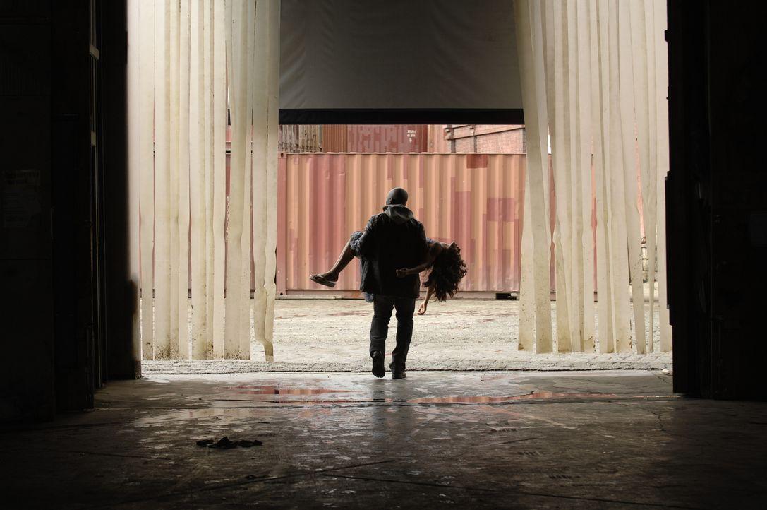 Als er Mittel findet, mit dem er Isabelle (Megalyn Echikunwoke) wieder zu einem Kleinkind machen kann, entführt Richard (Mahershala Ali) seine Tocht... - Bildquelle: Viacom Productions Inc.