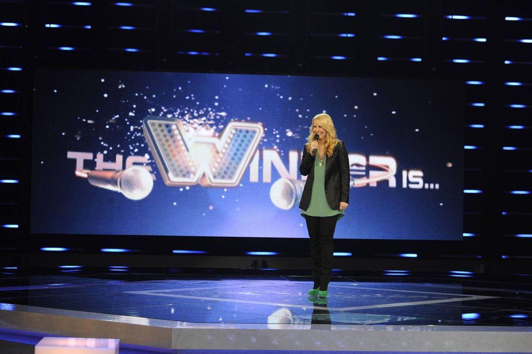 """In """"The Winner is ..."""" mit Moderatorin Linda de Mol ist die Stimme bares Geld wert, denn der Sieger kann eine Million Euro absahnen ... - Bildquelle: Paul Schirnhofer SAT.1"""