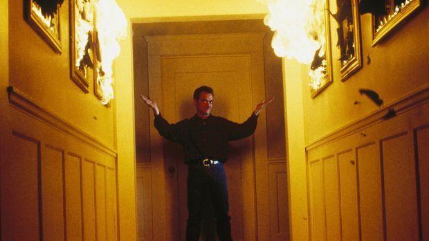 Scully traut ihren Augen nicht: Cecil Lively (Mark Sheppard), der sich als Gä...