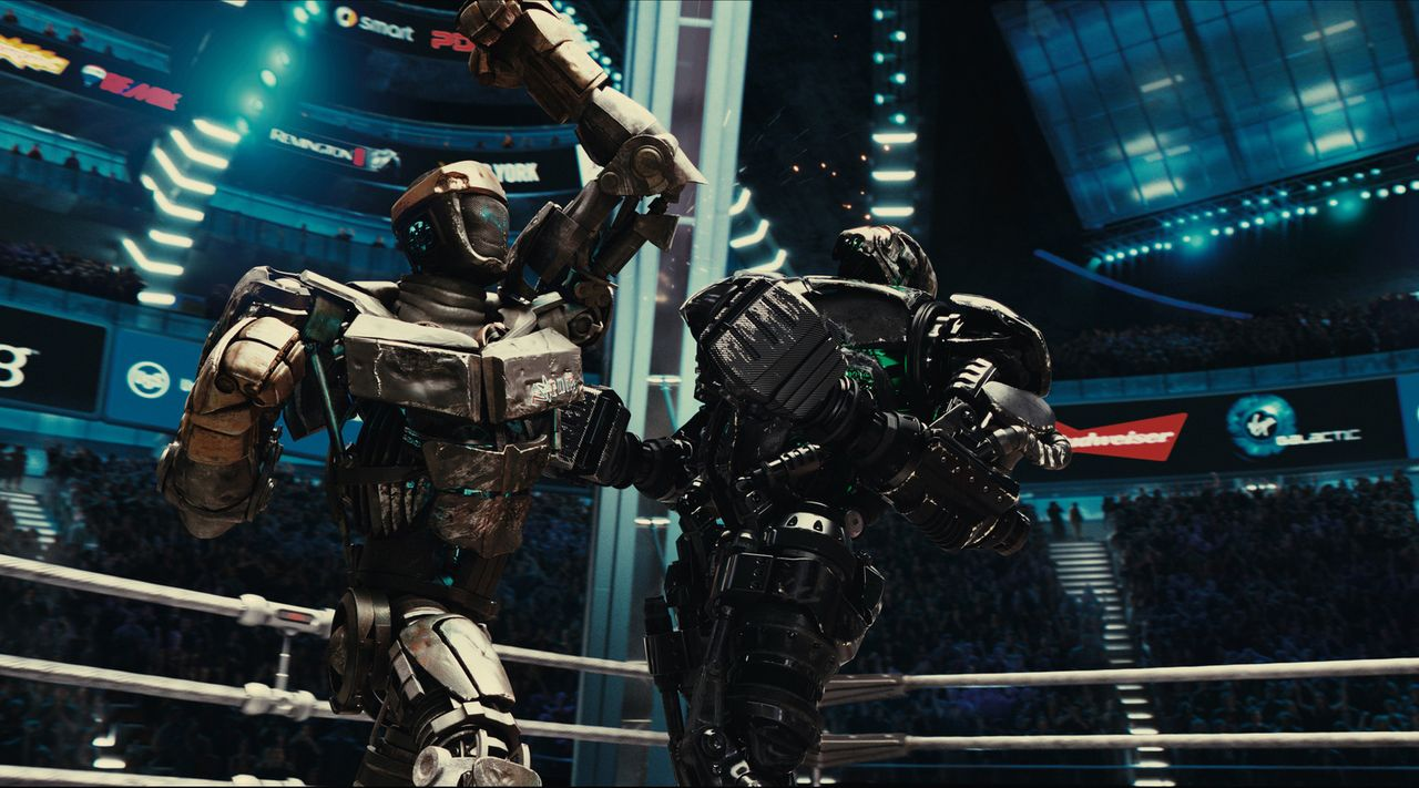 Kampf der Giganten: Atom (l.) versus Zeus (r.) - Bildquelle: Greg Williams, Melissa Moseley DREAMWORKS STUDIOS.  All rights reserved