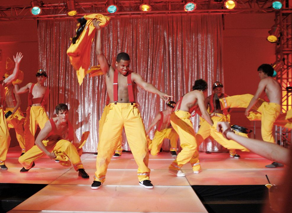 Tanzt für einen guten Zweck: Dixon Wilson (Tristan Wilds, M.) - Bildquelle: TM &   CBS Studios Inc. All Rights Reserved