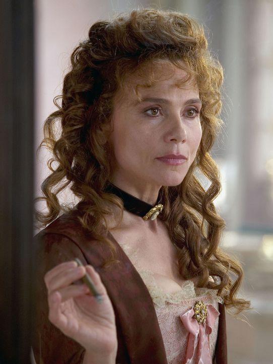 Francescas Mutter Andrea (Lena Olin) sorgt sich um die finanzielle Zukunft der Familie und verliebt sich scheinbar in den falschen Mann ... - Bildquelle: Buena Vista Pictures. All rights reserved