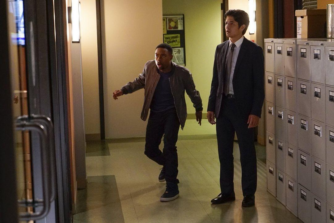 Lee bekommt nachts Besuch von seiner Schwester. Diese teilt ihm mit, dass die Quantou-Mafia einen neuen Geschäftszweig in L.A. etablieren will: Mens... - Bildquelle: Warner Brothers