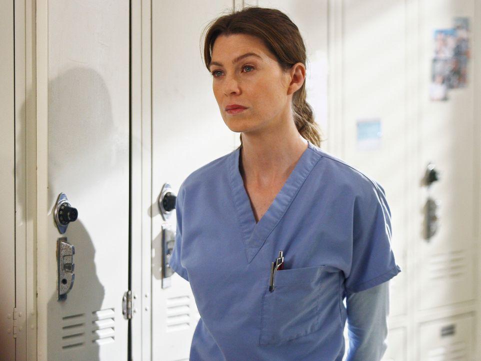 Während sich die Oberärzte um drei Bergsteiger kümmern, bereitet sich Meredith (Ellen Pompeo) auf die bevorstehende Beerdigung ihrer Stiefmutter... - Bildquelle: Touchstone Television
