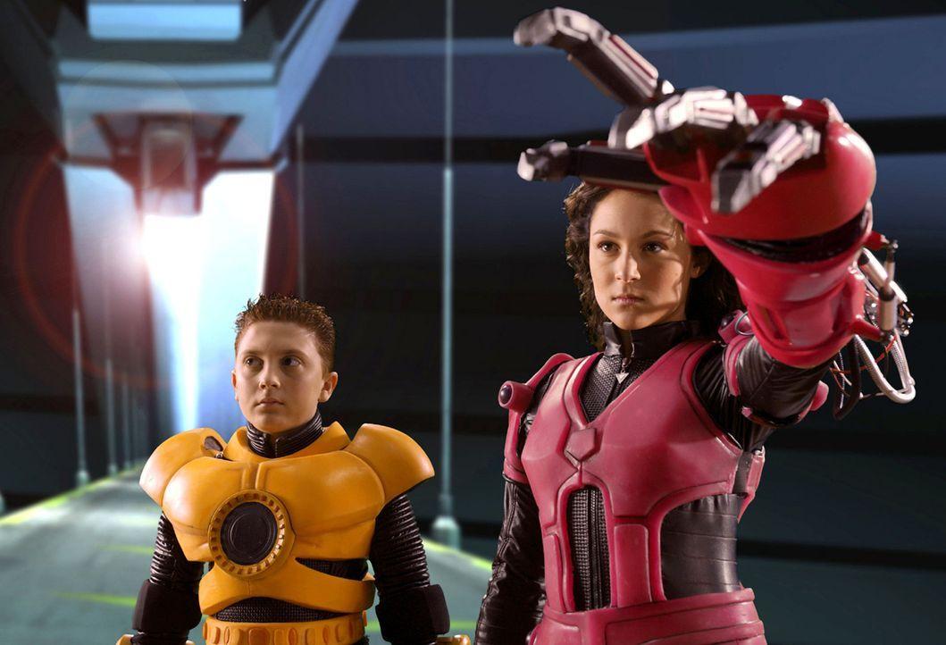 Jung-Agent Juni Cortez (Daryl Sabara, l.) hat zwar eigentlich keine Lust mehr auf Geheimdienst-Aufträge. Als seine Schwester Carmen (Alexa Vega, r.... - Bildquelle: 2003 Dimension Films. All Rights Reserved.