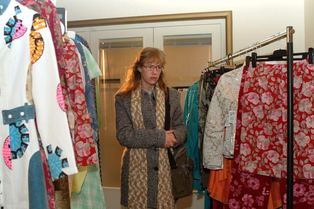 Der Traum von der Karriere im Modeunternehmen scheint für Lisa (Alexandra Neldel) zunächst ausgeträumt. Stattdessen wird ihr ein Job im Catering der... - Bildquelle: Monika Schürle Sat.1