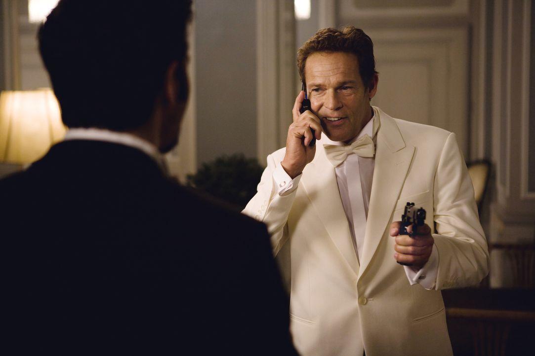 Mafiaboss Salvatore Marino glaubt, dass Puzzo noch am Leben ist, und setzt eine Horde von Killern auf ihn. Unter ihnen ist auch Tonis (Rick Kavanian... - Bildquelle: Warner Brothers