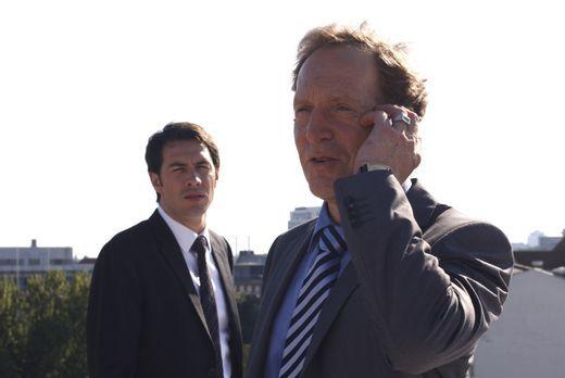 Mark (Arne Stephan, l.) ist drauf und dran, den scheinbaren Mörder seines ung...