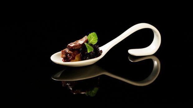 The-Taste-Stf01-Epi04-Rehruecken-Heidi-Becher-02-SAT1