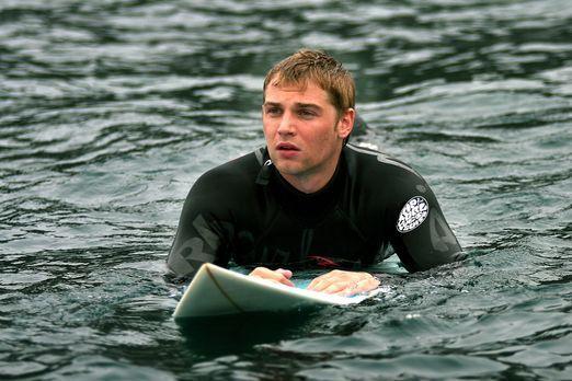 Open Graves - Der leidenschaftliche Surfer Jason (Mike Vogel) genießt seinen...
