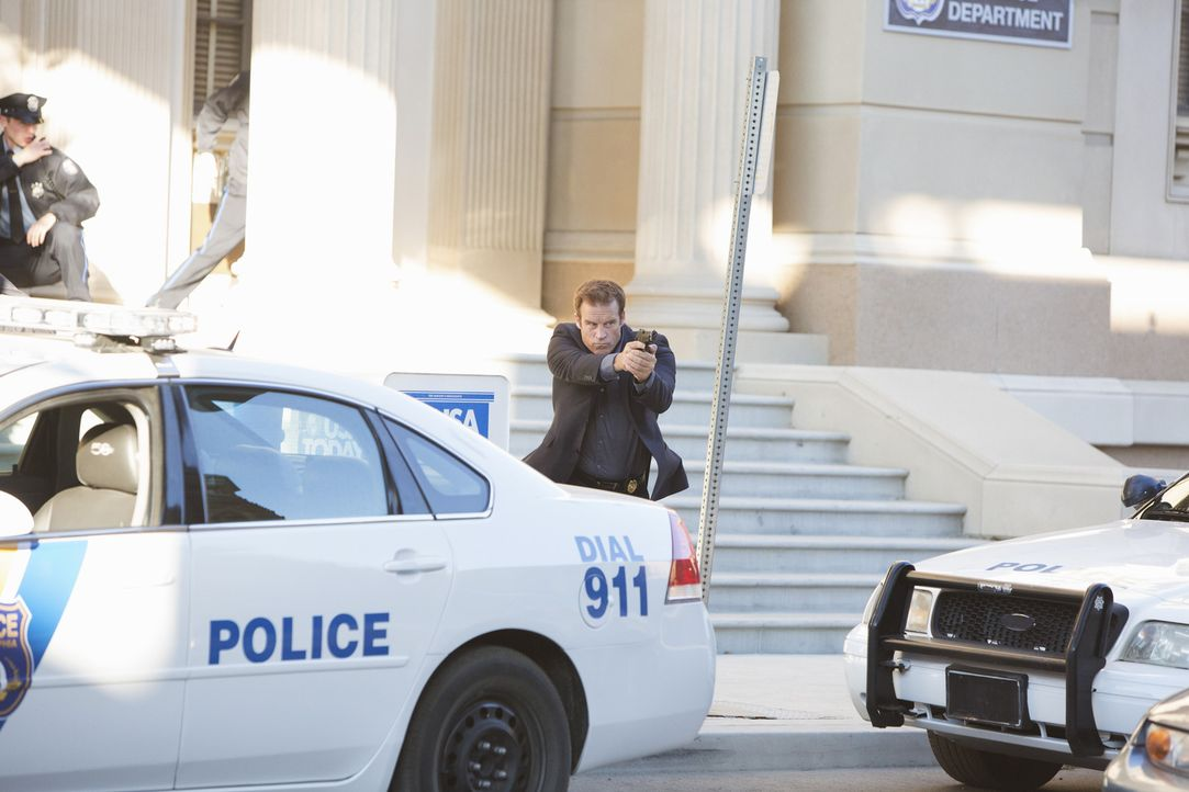 Detective Tommy Sulivan (Mark Valley) muss sich wieder den alltäglichen Herausforderungen seines Jobs stellen. Ob er auch diesmal nur mit einem blau... - Bildquelle: 2013 American Broadcasting Companies, Inc. All rights reserved.