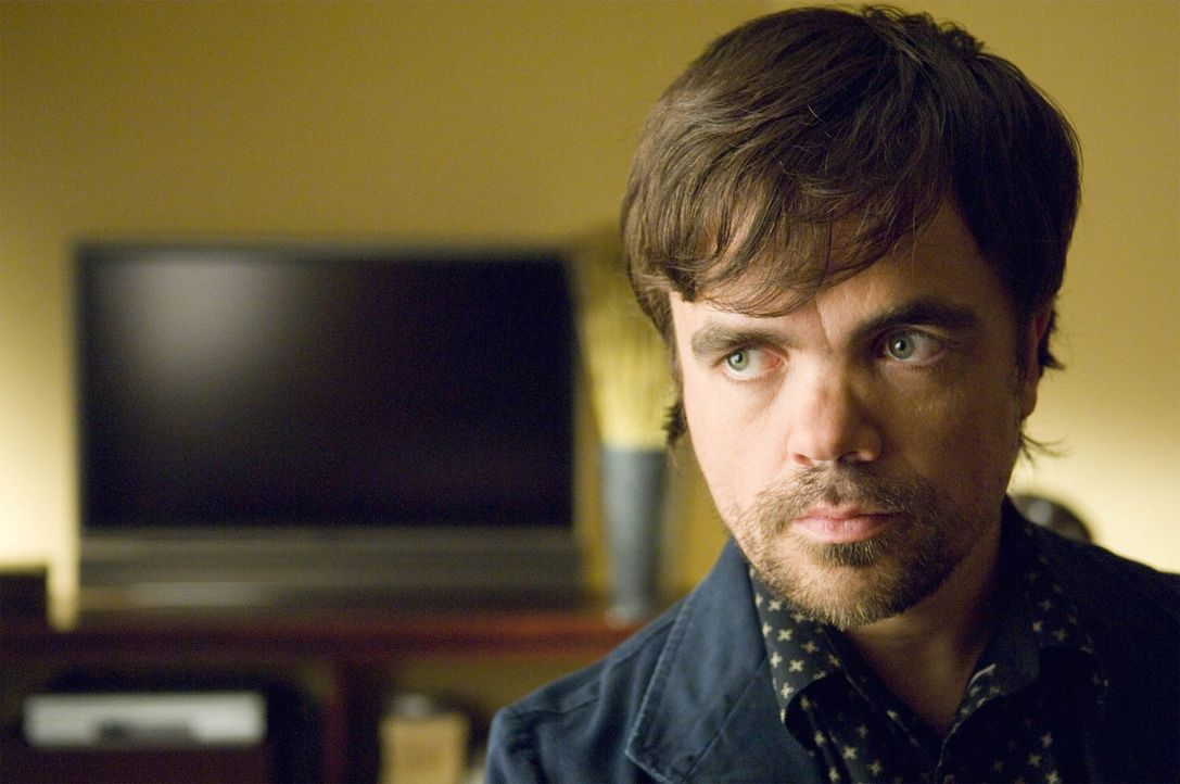 Ist Marlowe Sawyer (Peter Dinklage) ein richtig gutes Kindermädchen? - Bildquelle: TM and   2004 Warner Bros. Entertainment Inc. All Rights Reserved.