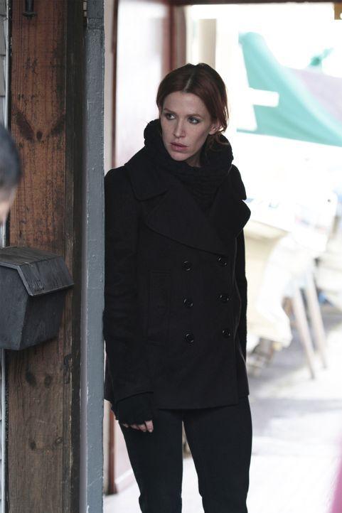 Gemeinsam mit ihren Kollegen macht sich Carrie (Poppy Montgomery) auf die Suche nach einer wichtigen Augenzeugin eines Mordes ... - Bildquelle: 2011 CBS Broadcasting Inc. All Rights Reserved.