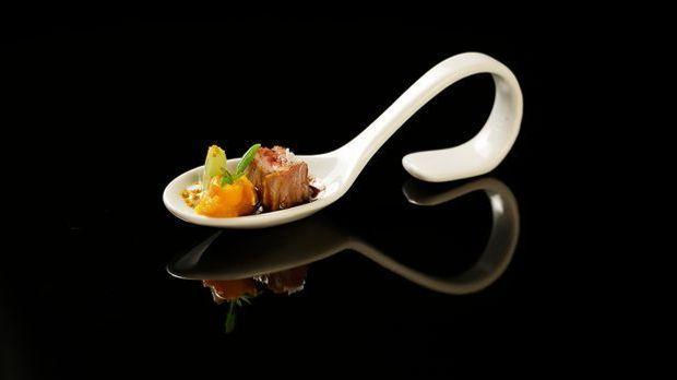 The-Taste-Stf01-Epi06-3-Lammfilet-Felicitas-Then-02-SAT1