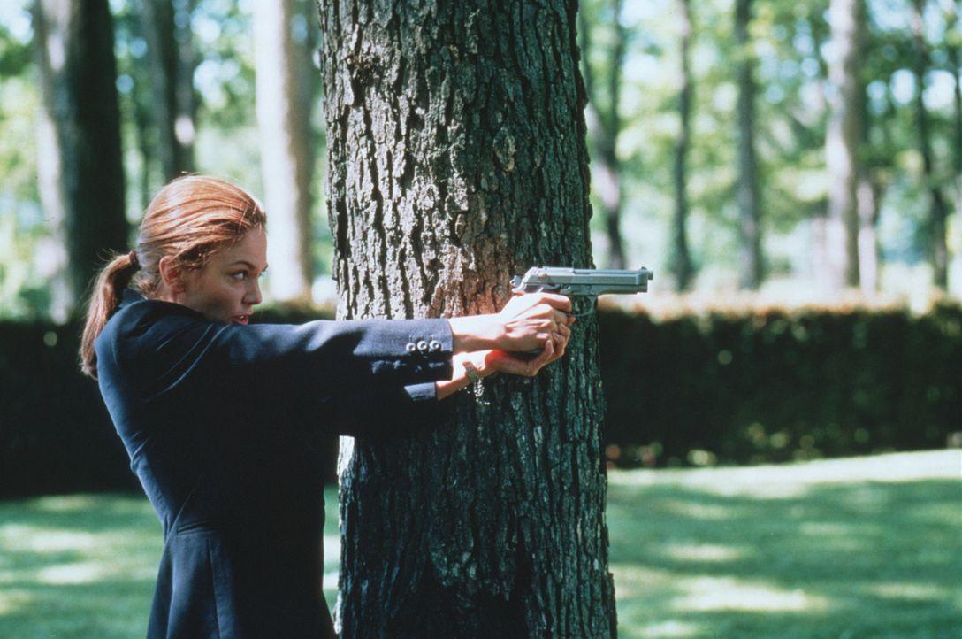 Auf der Suche nach dem mysteriösen Mörder überschreitet die Geheimagentin Nina Chance (Diane Lane) schon bald all ihre Kompetenzen. - Bildquelle: Warner Bros.