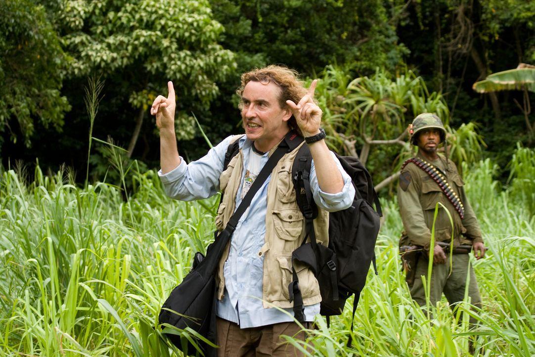Da sein Film möglichst authentisch wirken soll, lässt Regisseur Cockburn (Steve Coogan) die Darsteller seines Movies im Dschungel aussetzen. Mit Hil... - Bildquelle: 2008 DreamWorks LLC. All Rights Reserved.