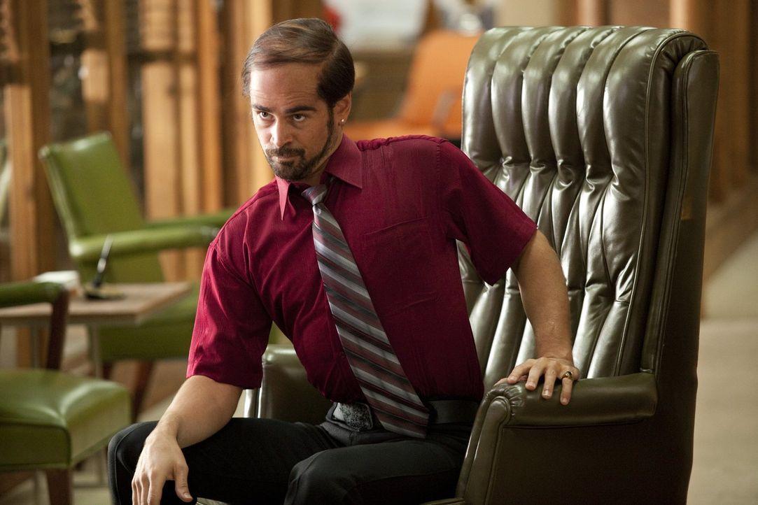 Der kokainsüchtige Bobby Pellit (Colin Farrell) macht es seinen Angestellten nicht einfach, für sich zu arbeiten ... - Bildquelle: 2011 Warner Bros.