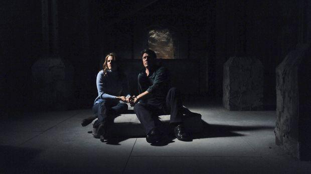 Richard Castle (Nathan Fillion, r.) und Kate Beckett (Stana Katic, l.) finden...