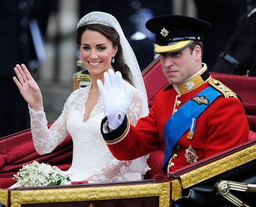 William-Kate-Auszug-Kirche-Kutsche8-11-04-29-500_404_AFP - Bildquelle: AFP