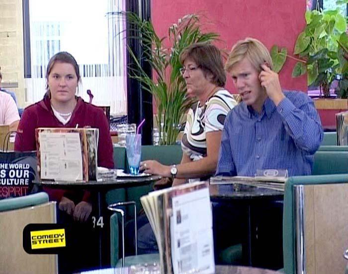 comedystreet-st-04-epi-02-grab-simon-gosejohann-13-prosiebenjpg 700 x 550 - Bildquelle: Guido Ohlenbostel ProSieben