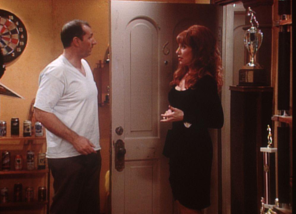Al (Ed O'Neill, l.) und Peggy (Katey Sagal, r.) versuchen ein letztes Mal, ihre Ehe zu retten. - Bildquelle: Sony Pictures Television International. All Rights Reserved.