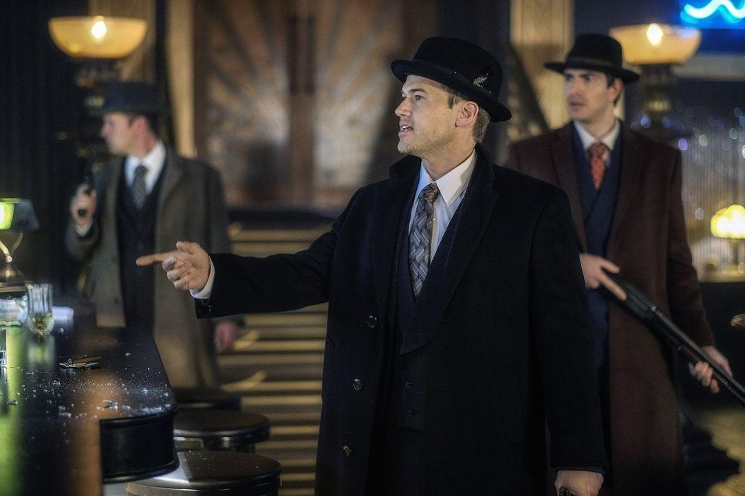 Eigentlich dachte Nate (Nick Zano), dass er die Veränderungen in der Geschichte mit seinem Wissen wieder ausbügeln kann, doch damit hat er sich gewa... - Bildquelle: Warner Brothers