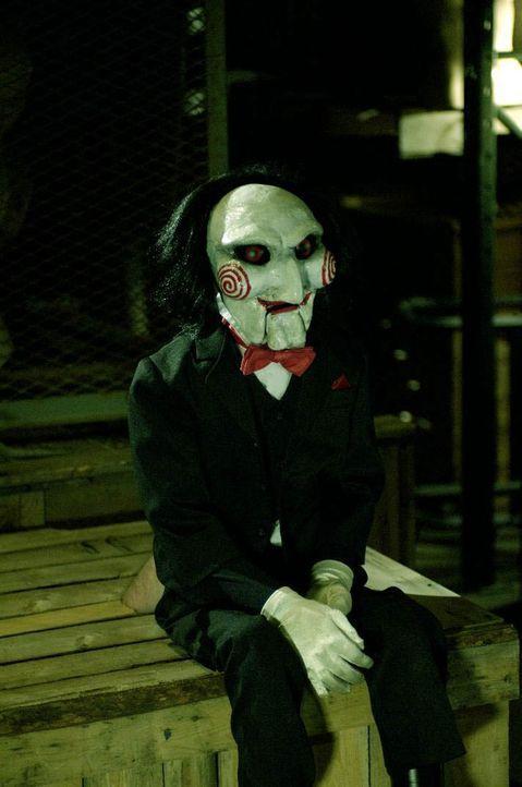 Der Serienmörder Jigsaw (Tobin Bell) entführt unmoralische Menschen, die angeblich ihr Leben nicht zu schätzen wissen. Seine Methoden, diese Mensche... - Bildquelle: Kinowelt Filmverleih